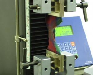 Trapezoidal tear fabric strength testing with an eXpert 7600